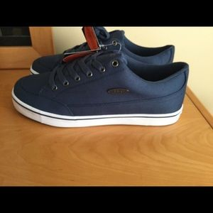 Lugz Navy / white lace up sneakers.